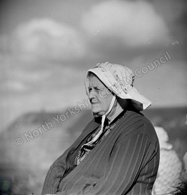 Mrs Roe, fisherbonnets, Staithes